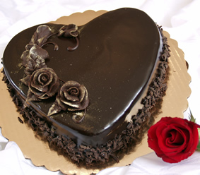 Heart Chocolate Cake Images : Five Star Cakes to India - Send fruit Cakes to India ...