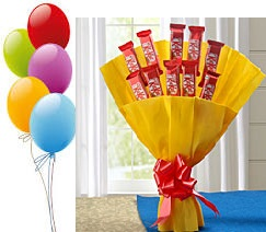 5 Air Blown Balloons 10 Kitkat Hand Tied In Yellow Paper Rs 900 14