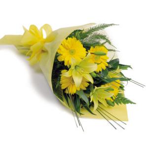 No Uk Flowers 4 And Chocolates Half Kg Price Rs 4600 Us 94 00