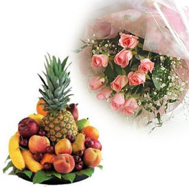 Basket of 2 kg Fresh Fruit and 12 Pink Roses